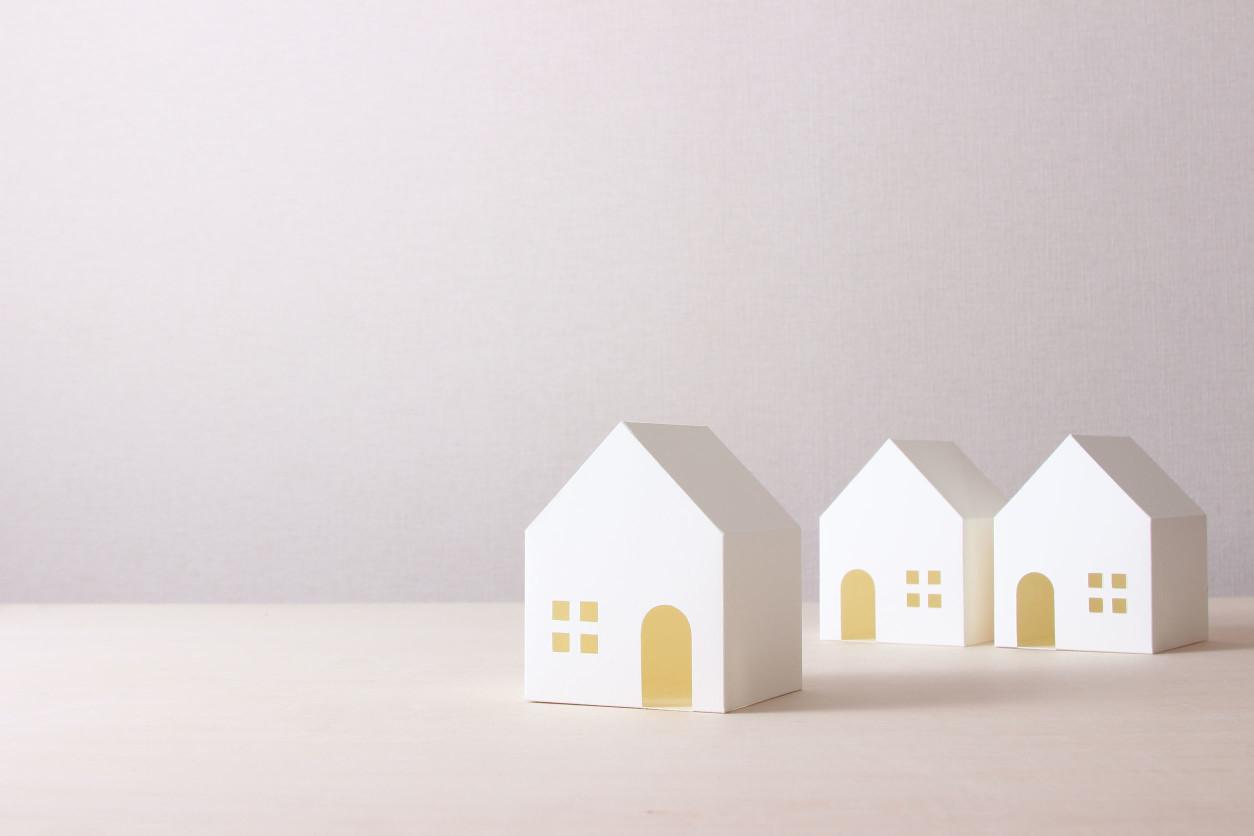 如何避免灰泥甲蟲孳生?灰泥甲蟲以食用潮濕環境中的黴菌為生,因此維持室內相對濕度在60、抑制黴菌增長便可以杜絕一大部分的問題根源,多利用除濕機保持室內空間乾燥。