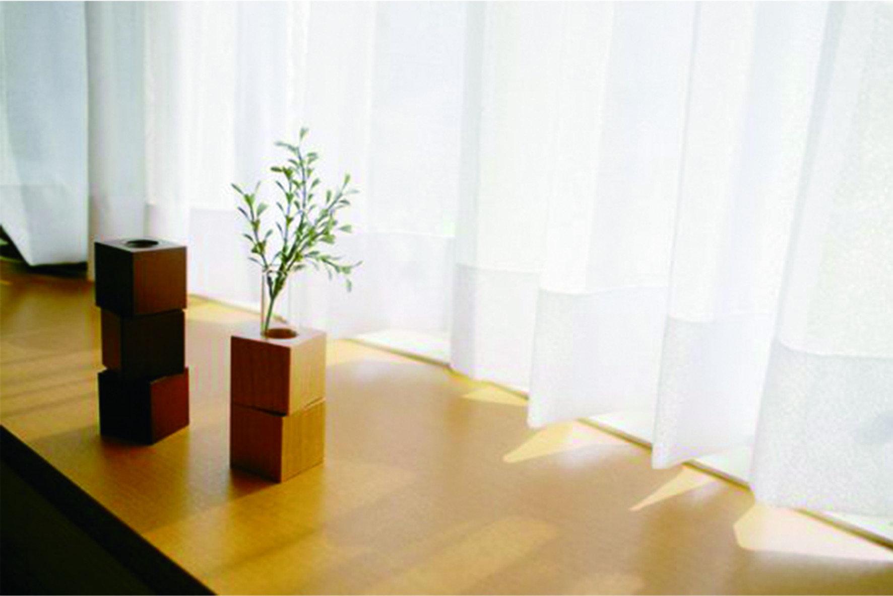 空氣品質比你想的重要,台灣空氣污染嚴重,三天兩頭「紫爆」,無論大人小孩都深受其害。但減少出門、緊閉門窗,真的就能遠離空汙嗎?事實上,室內空氣無法換氣、缺乏流通,反而會使髒空氣在室內流通, 使大人小孩飽受過敏折磨。